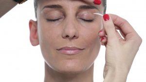 How_To_apply_Eye_Secrets_Upper_Eyelid_lift