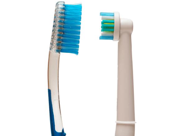 manual toothbrush vs electric toothbrush